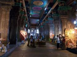 Intérieur du temple de Madurai